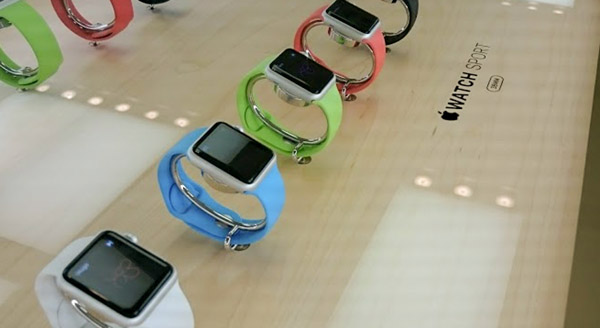 店頭のAppleWatch